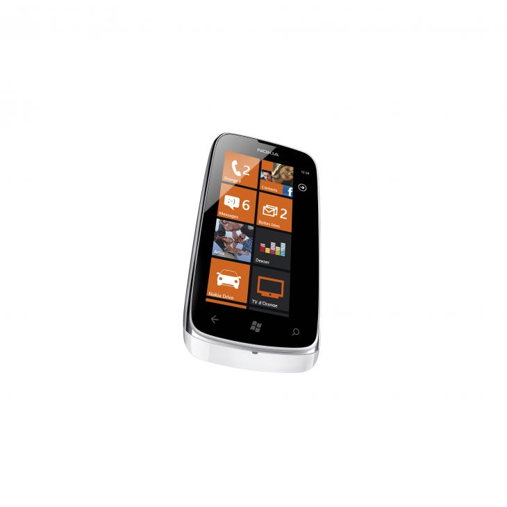 Nokia Lumia 610 NFC front side view with orange and black color